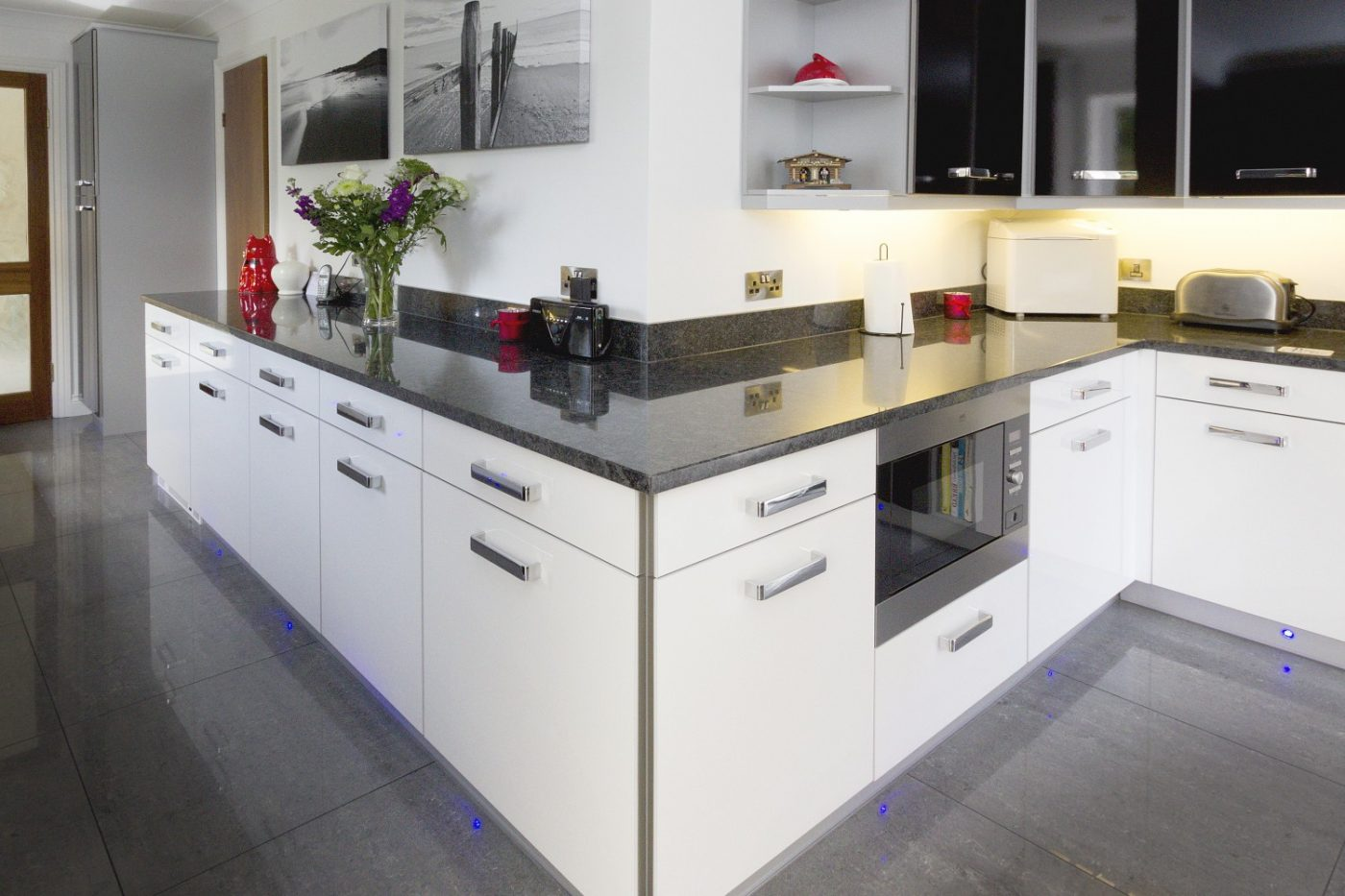 devon kitchen worktop projects in granite and caesarstone. Black Bedroom Furniture Sets. Home Design Ideas
